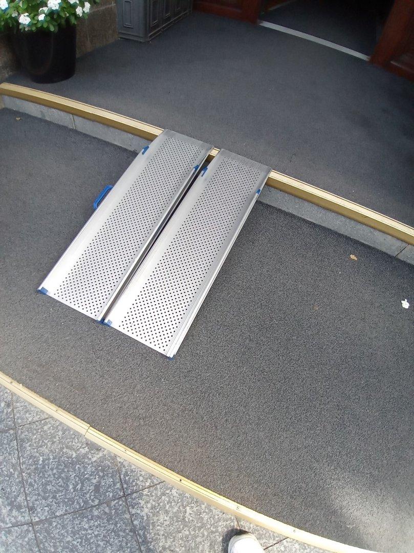 Mobile/retrofitted ramp