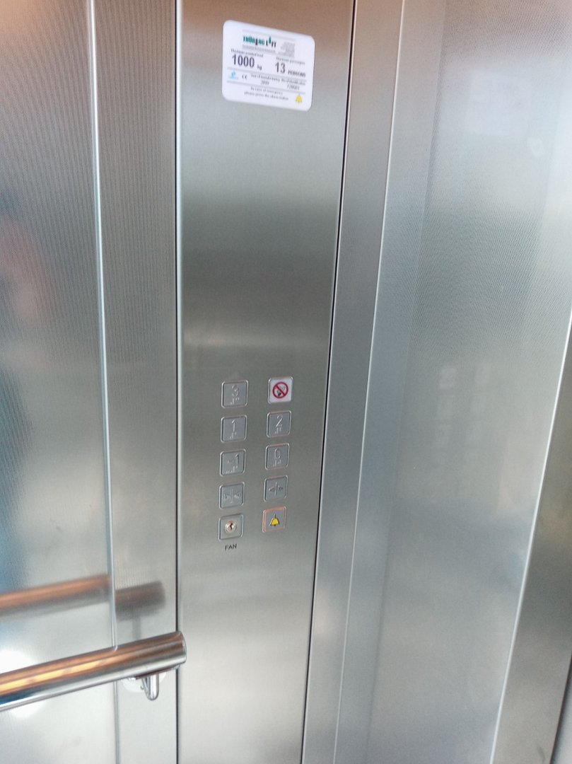Height of operating buttons
