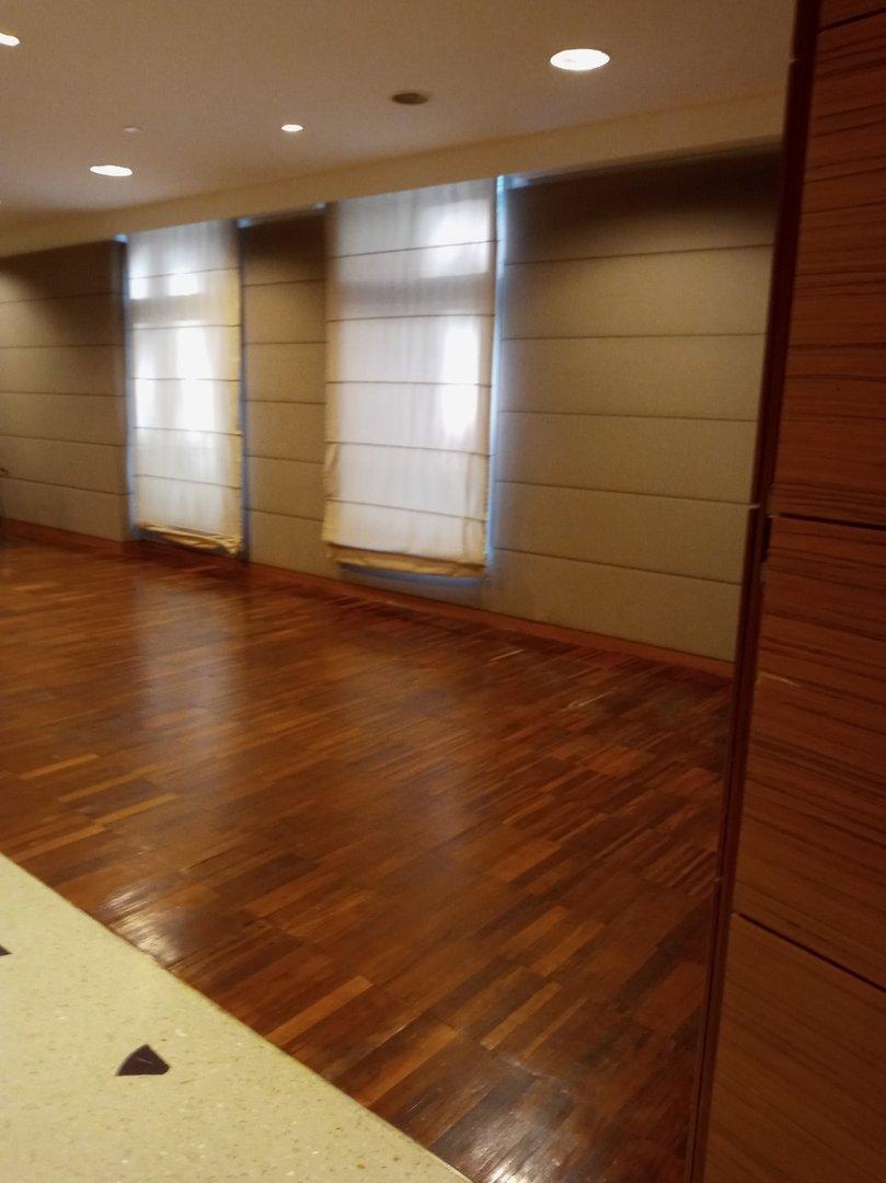 Free area behind the door