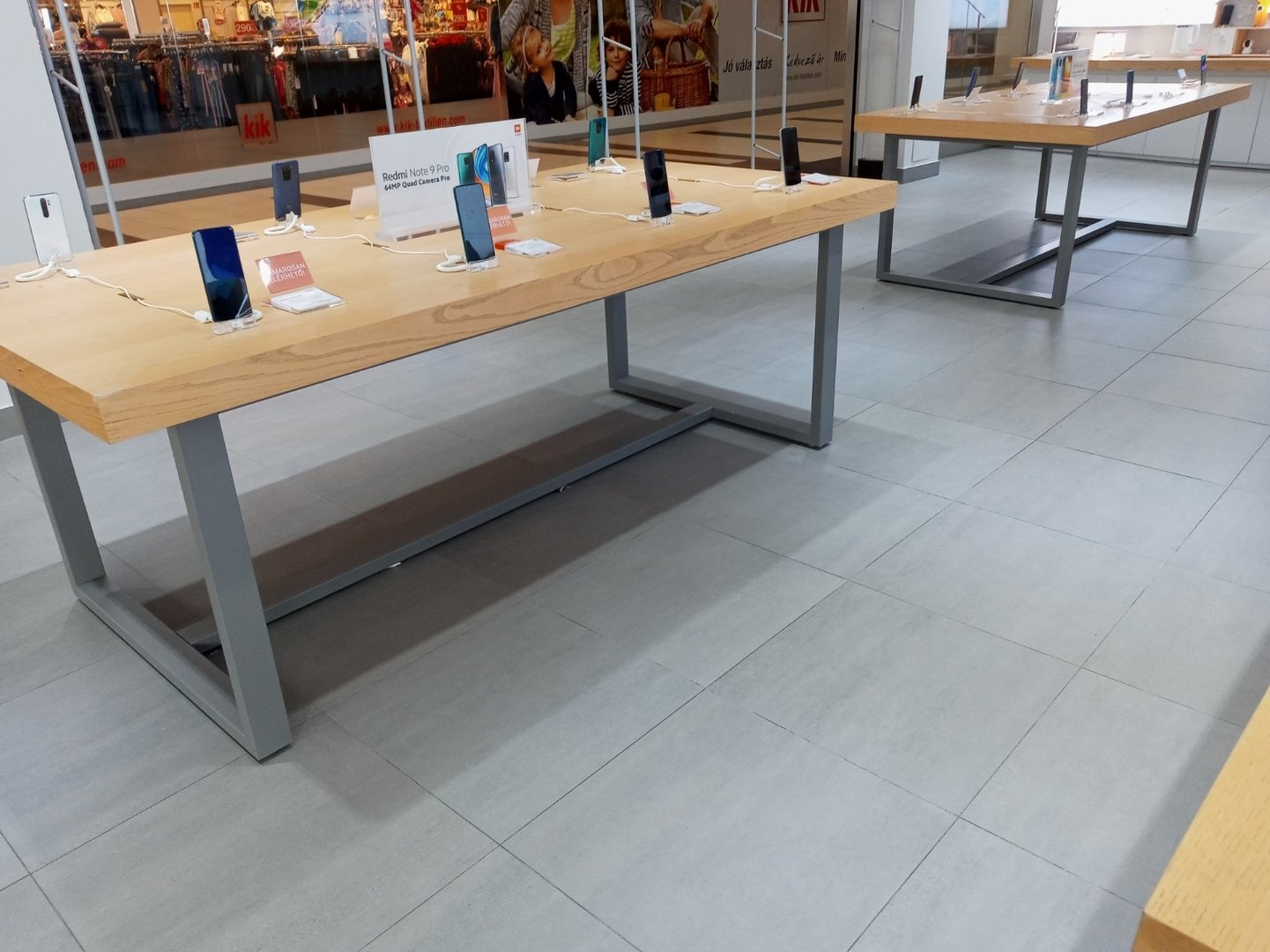 Indoor store space (retail space)